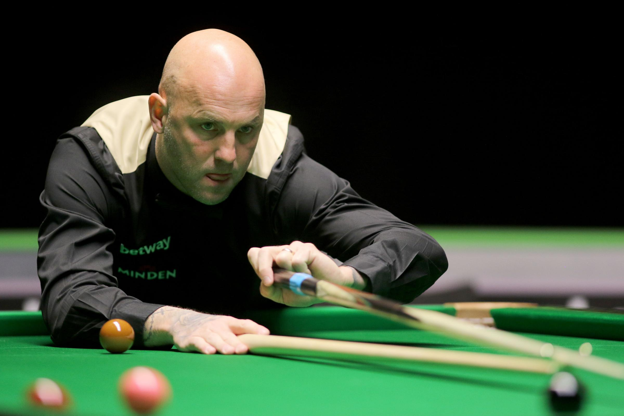 Mark King edged out John Higgins in a Barbican thriller at the Betway UK Championship