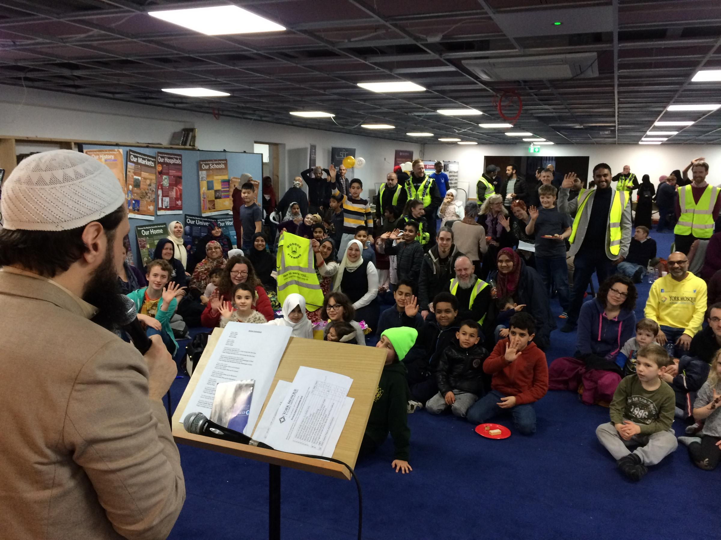 Hundreds visit mosque's open day