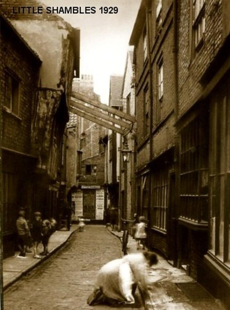Little Shambles, boats and Blossom Street: 7 great postcards from old York  | York Press
