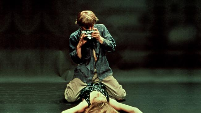 David Hemmings and Veruschka von Lehndorff in Blow-Up