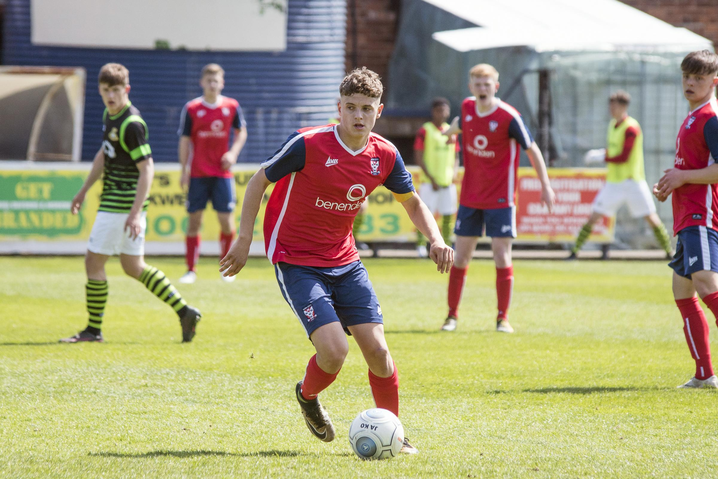 CONTRACT OFFER: York City midfielder Harry Thompson. Picture: Hannah Parker