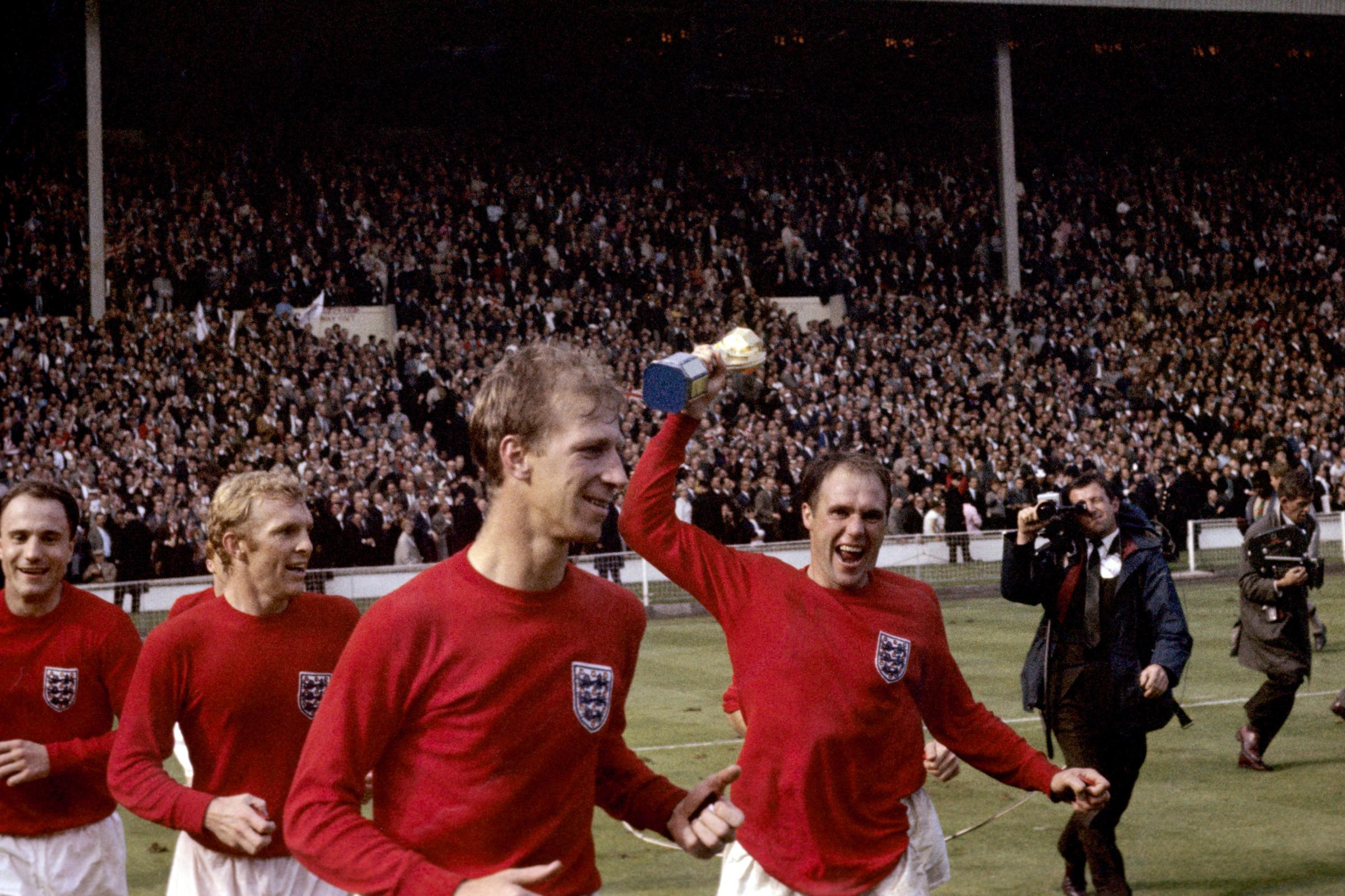 Ray Wilson, right, won the World Cup with England in 1966 (PA)