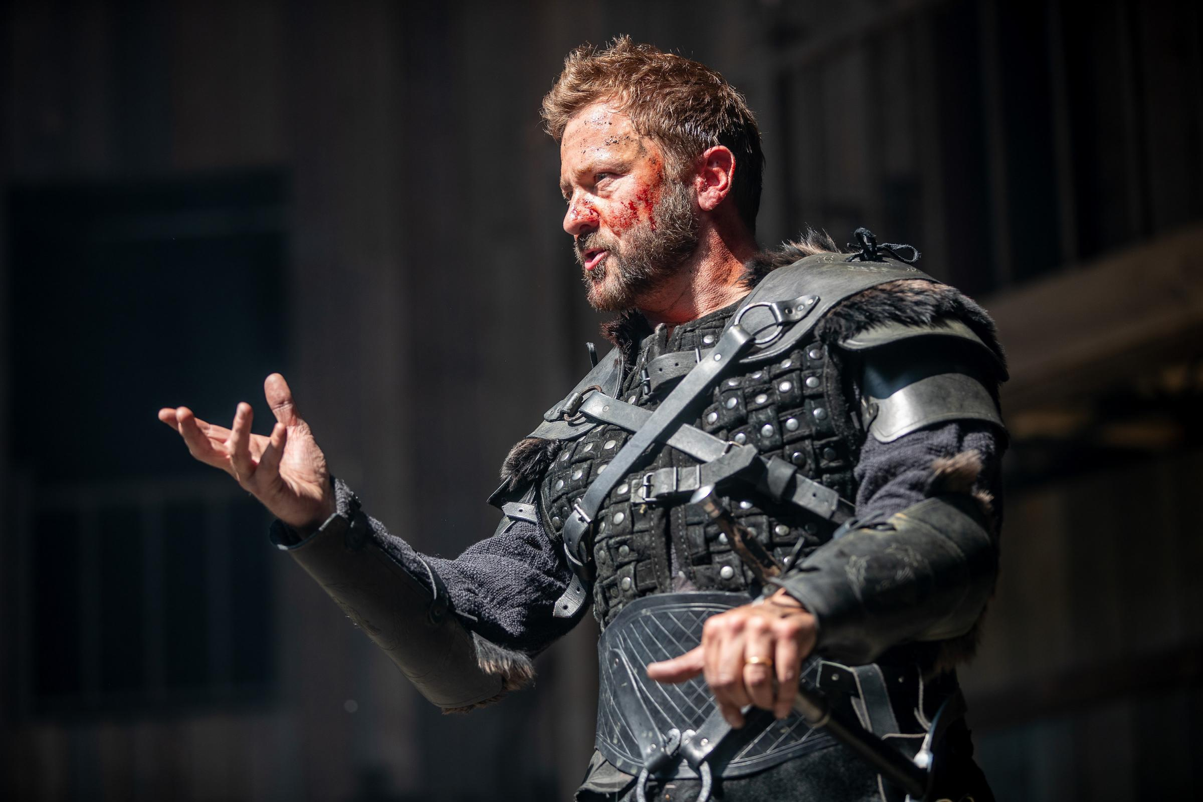A bloodyMacbethfor ourtimes:RichardStanding asMacbeth.Picture:CharlotteGraham