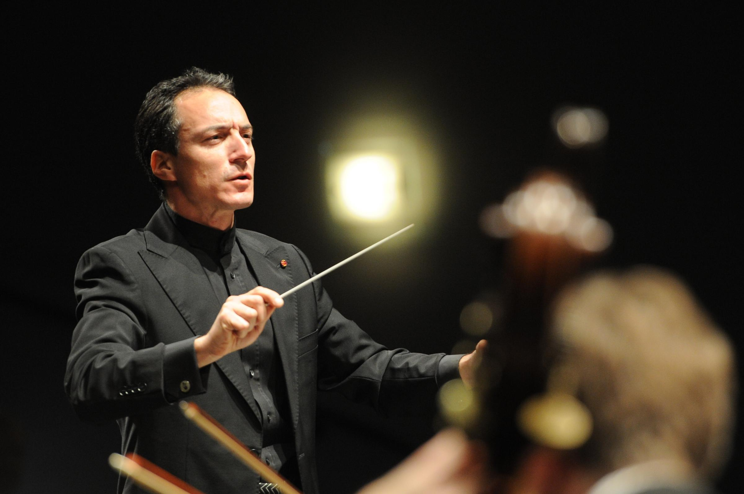 Damian Iorio: conducting the National Youth String Orchestra in York