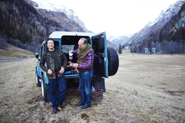 Chefs Jamie Oliver and Gennaro Contaldo with their Defender from Thirsk-based Twissted