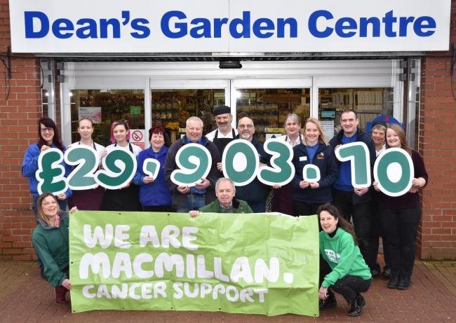 Family Run Dean S Garden Centre Raises 30k For Macmillan York Press