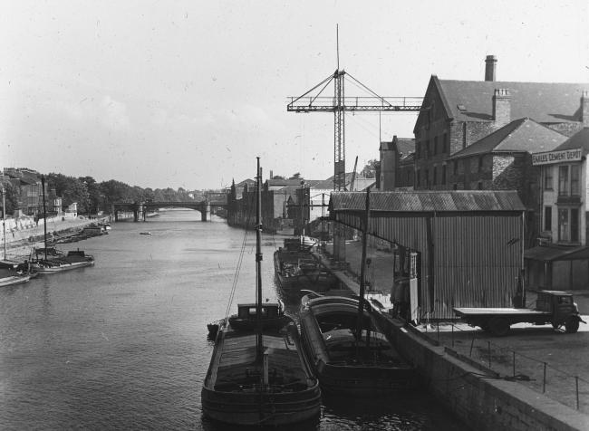 These barges are at the wharf near Ouse Bridge, probably in the early 1930s. Photo: Explore York Libraries and Archives