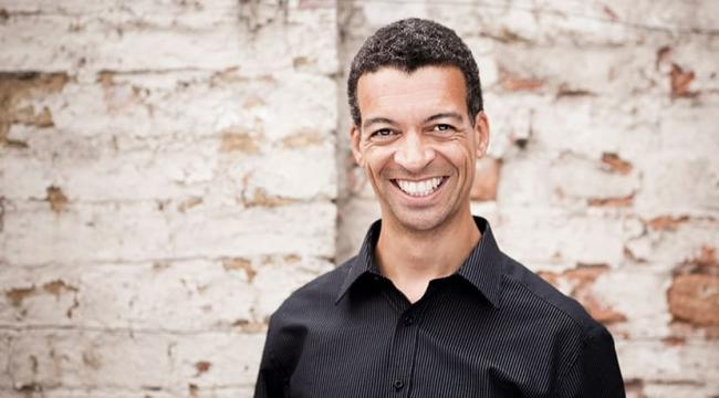 """FIRM, WARM BARITONE"": Roderick Williams singing at the Lyons"