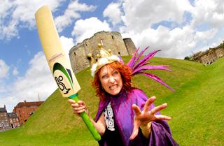 Australian soap star and cricket fan Lynne McGrainger arrives in York and gets into character ahead of this year's panto at The Grand Opera House